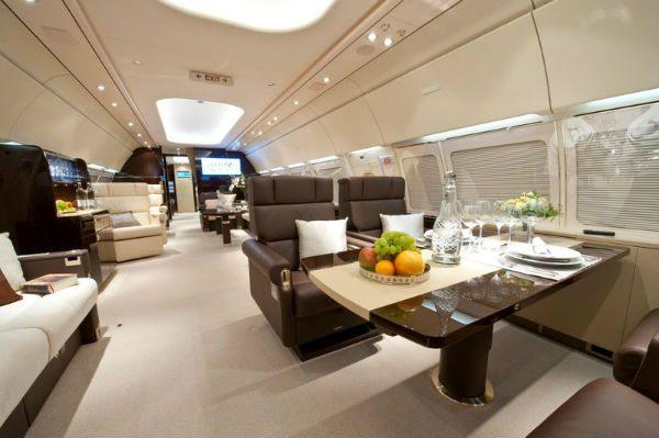 Airbus ACJ318 cabin
