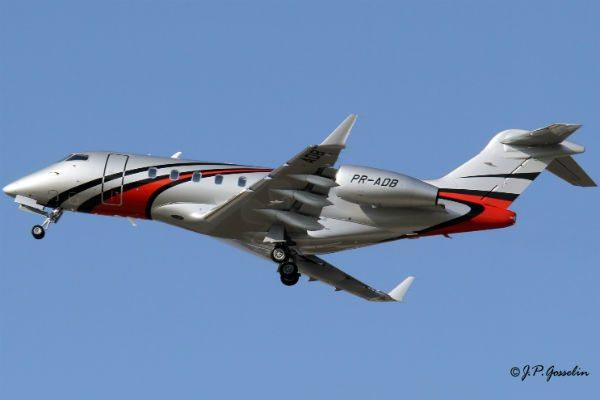 A Brazilian-registered Challenger 300 (Photo: J.P. Gosselin).