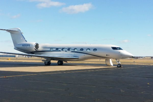 An aircraft delivered amongst a flurry of G650 deliveries in November 2013.