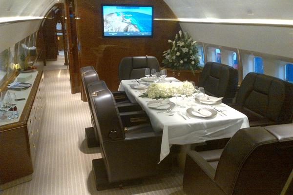 BBJ1 9H-BBJ dining area