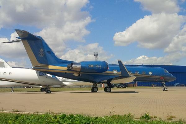 Ultra rare Gulfstream IV 9M-ISJ (Photo: Alud Davies)