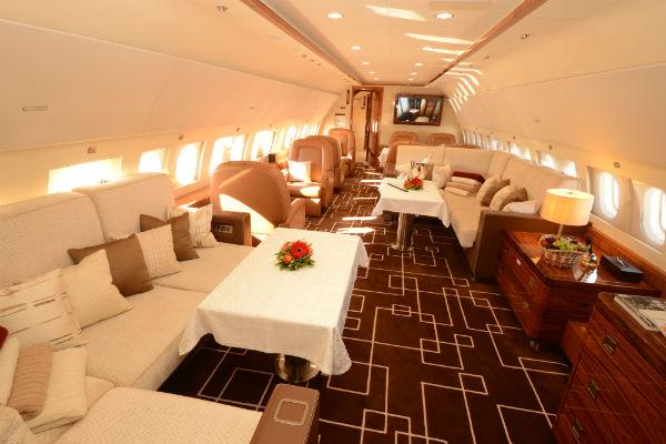 MJets Airbus ACJ319 passenger lounge